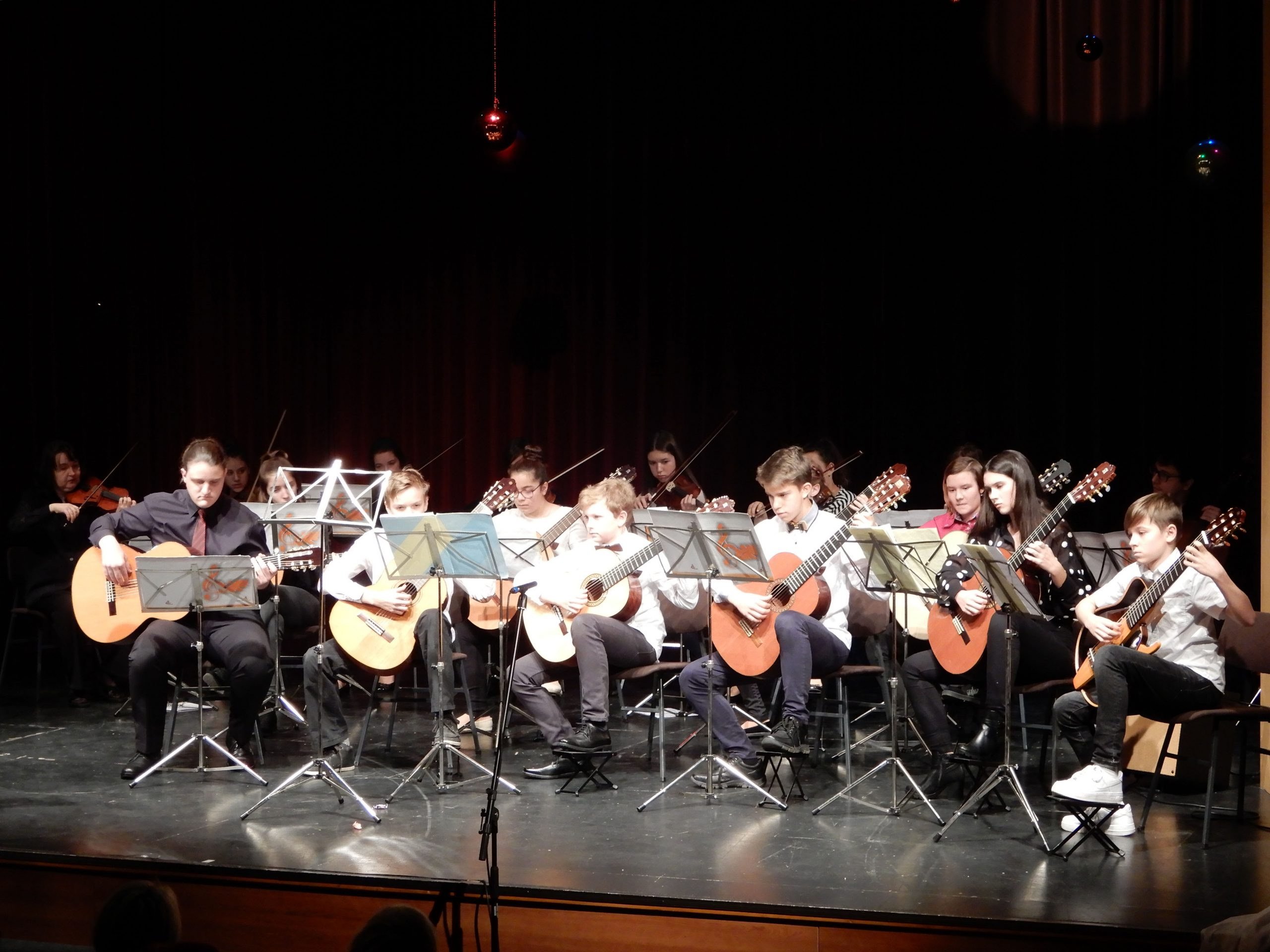 Glasbena šola Hrastnik - Kitarski orkester